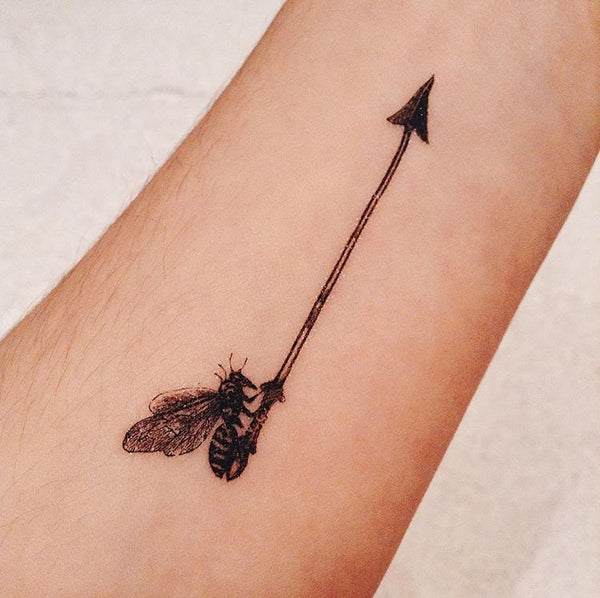 Realistic bee temporary tattoo by paperself