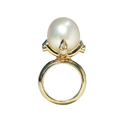 Queen Ring/white South Sea Pearl, diamond