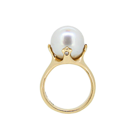 Majesty Ring with White South Sea pearl and diamonds