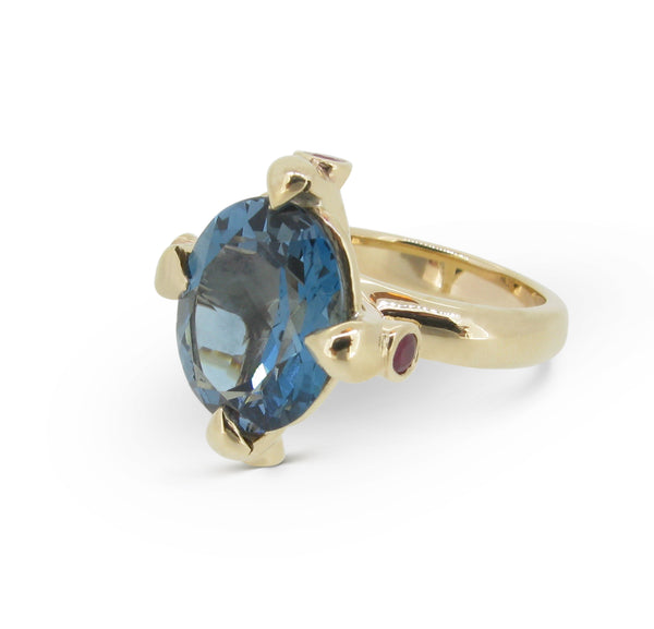 Queen Ring in 9ct with London Blue Topaz and facetted Rubies