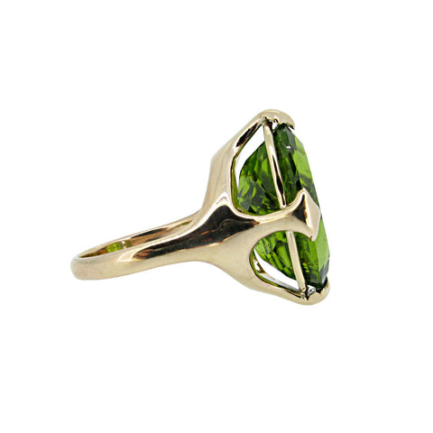 Large Majesty ring with Peridot