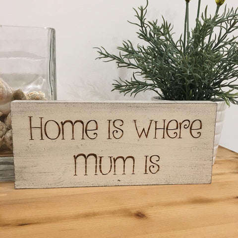 'Mum' wooden plaque