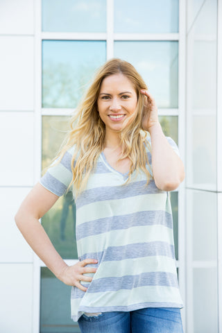 Striped V-neck - Mint/Heather Grey