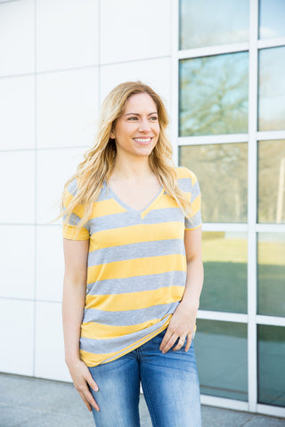 Striped V-neck - Yellow/Heather Grey