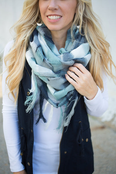 Colorblock Fringe Scarf - Navy & Mint
