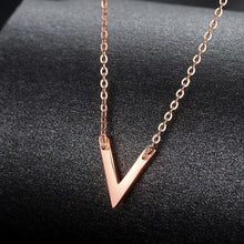 Load image into Gallery viewer, Necklaces 18K Rose Gold Arrow Pendant Necklace