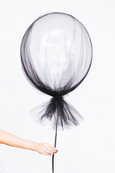 Spooky Ballon Halloween Decoration Ideas from Narrative Decor