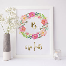 Floral wreath personalised with an initial and name