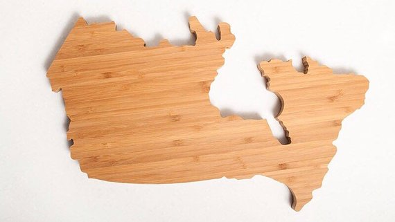 Artisan Canada-Shaped Chacuterie Board