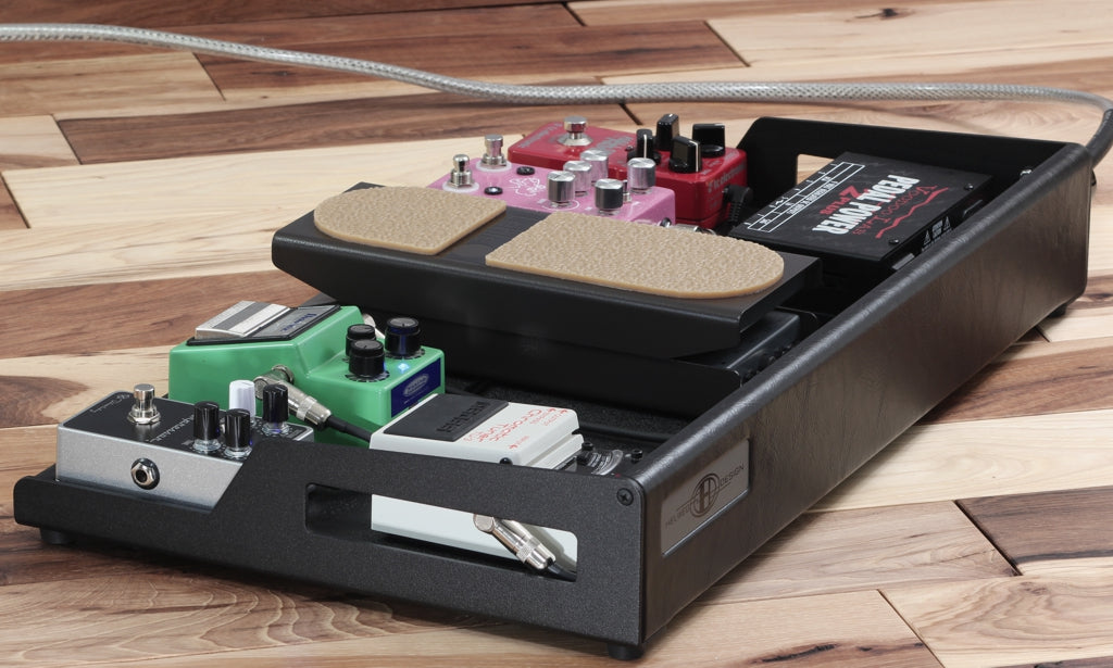 Custom pedalboard with Keeley Compressor Plus_Lehle mono volume