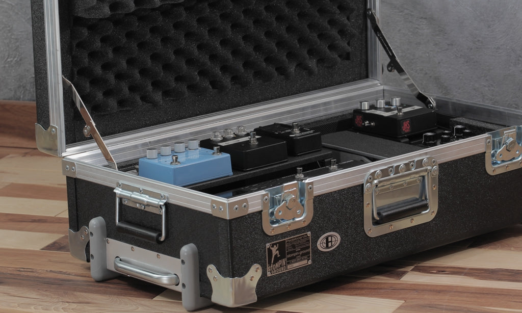 Helweg pedalboard_Stompin-Ground Duralight case