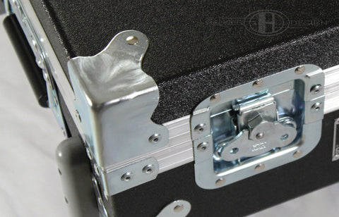 Duralight pedalboard case recessed latches