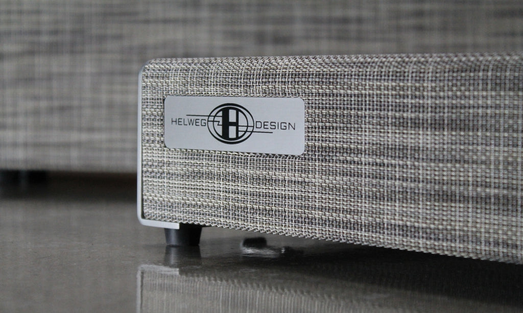 OpenWing 13 Pedalboard_Grey tweed woven vinyl_logo close-up