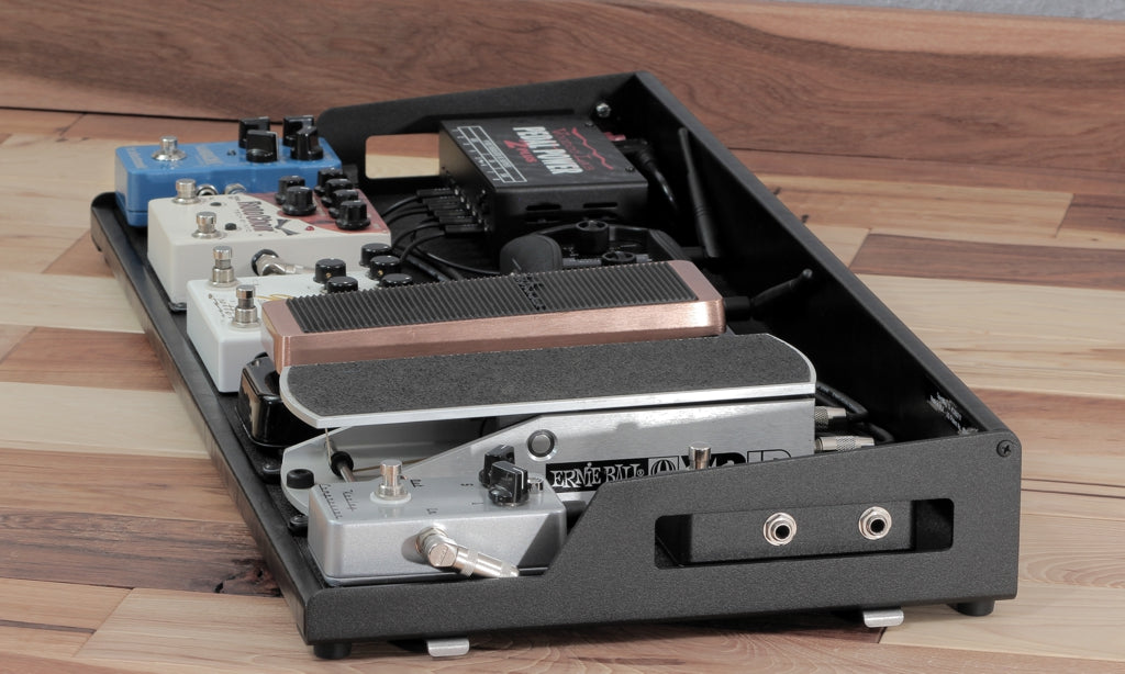 OpenWing 13 custom pedalboard_Line 6 G50_wireless stealing patchbay jack
