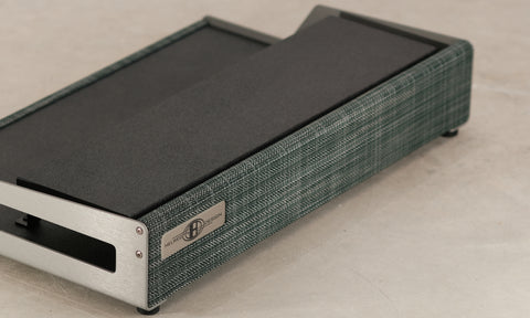 OpenWing pedalboard in Silver spruce colorway