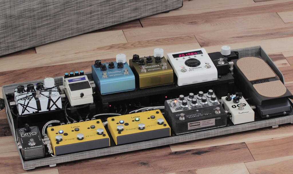 OpenWing custom pedalboard with riser panel_full set-up