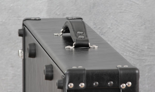 Helweg Signature Pedalboard Case with black leather trim