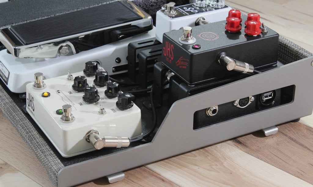 custom pedalboard setup with JHS AT Andy Simmons signature drive v2 and Double Barrel v3