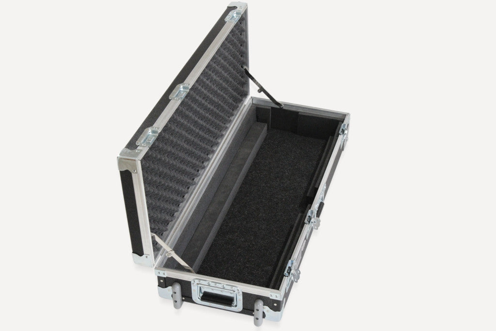 The Deluxe Duralight Case has a storage area under the pedalboard