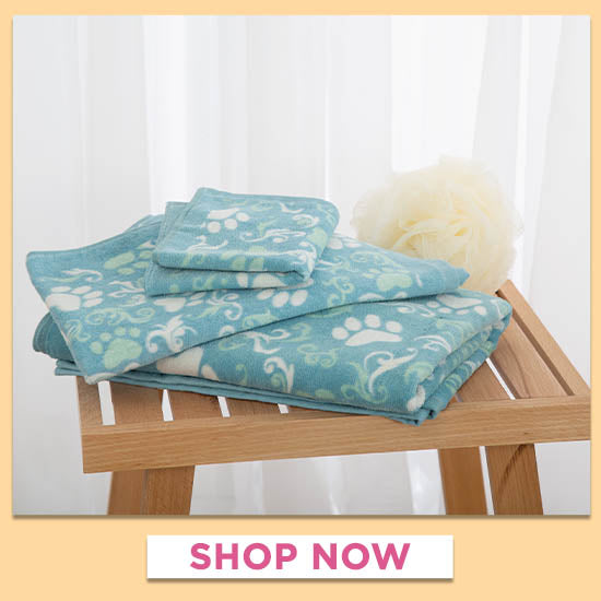 Blue Paws Aplenty Bath Towels