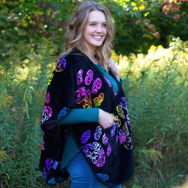 Super Cozy™ Paw Print Pocket Shawl