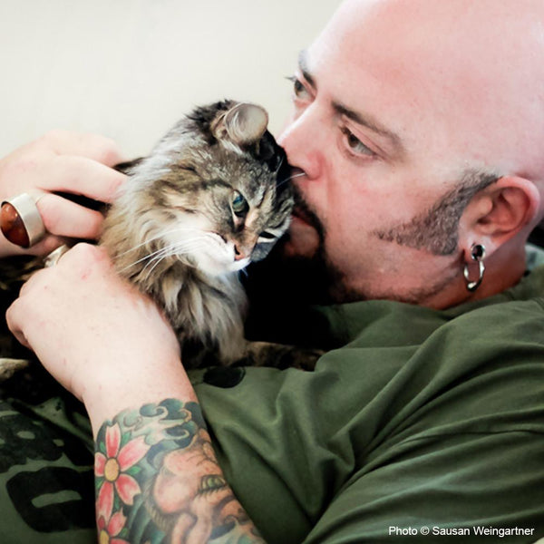 Save Animal Lives with the Jackson Galaxy Foundation