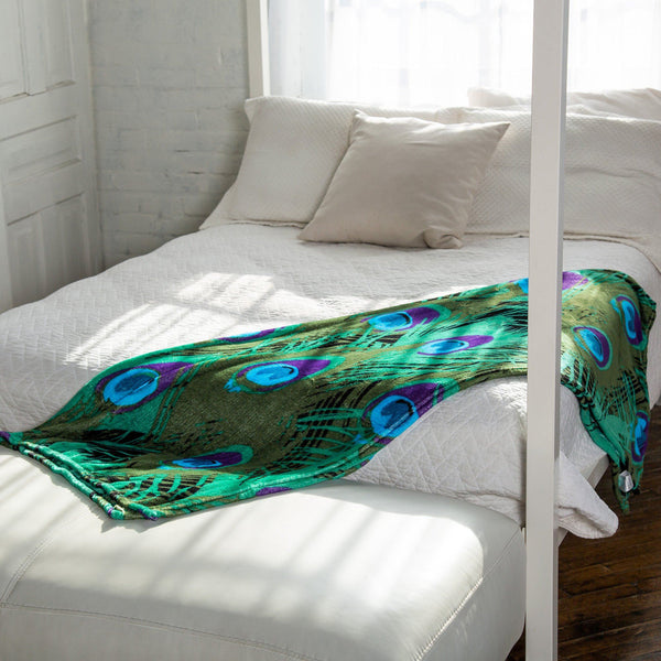 Super Cozy™ Peacock Fleece Throw Blanket