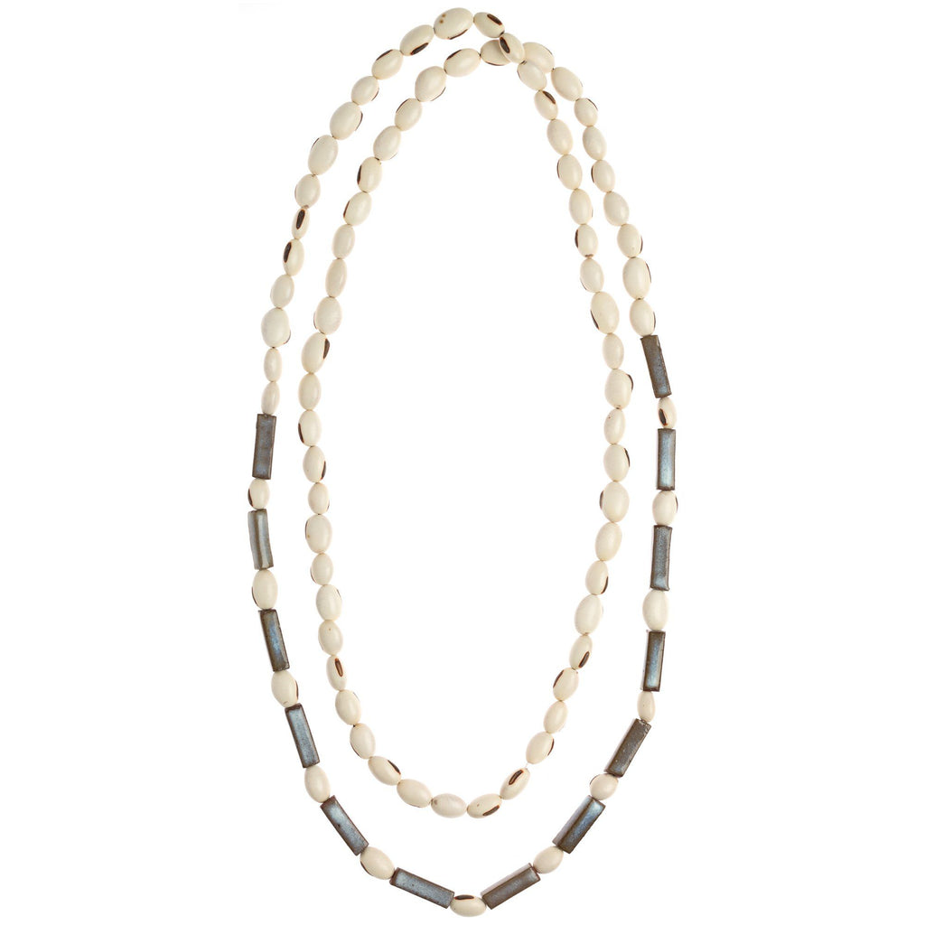 Poder Long Strand Necklace