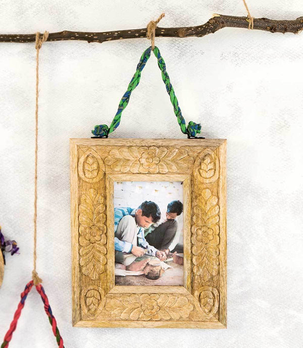 Matr Boomie - Mango Wood Hanging Picture Frame