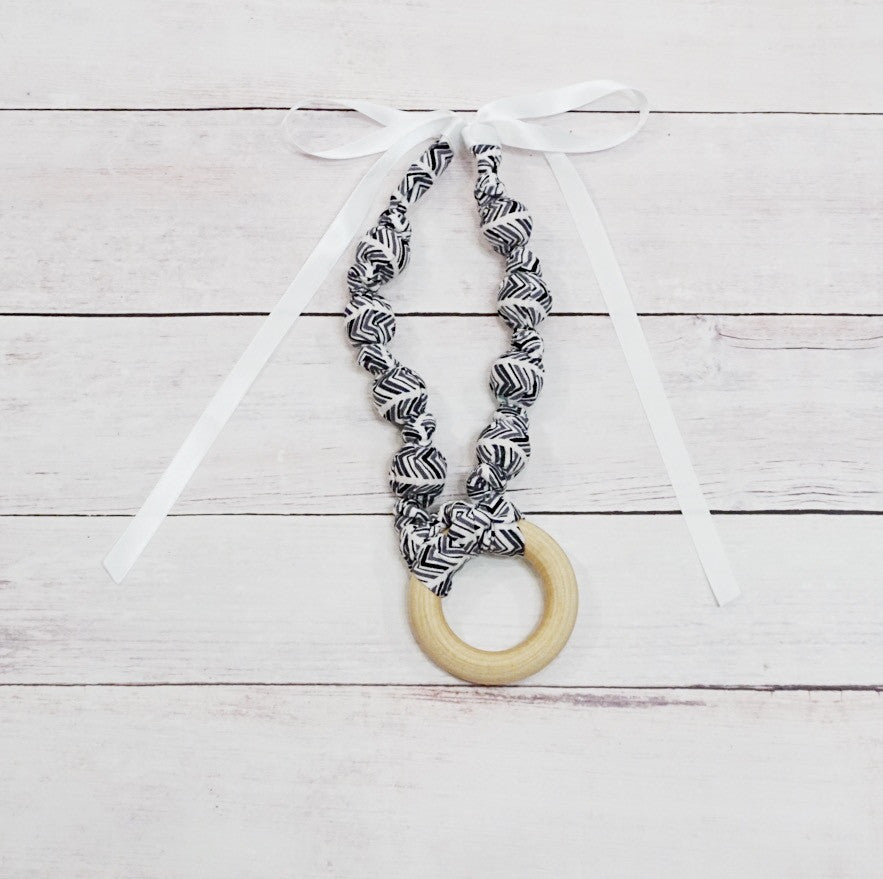 Teething & Nursing Ring Necklace - Broken Chevron