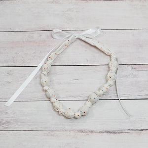 Teething & Nursing Necklace - Speckled Dot