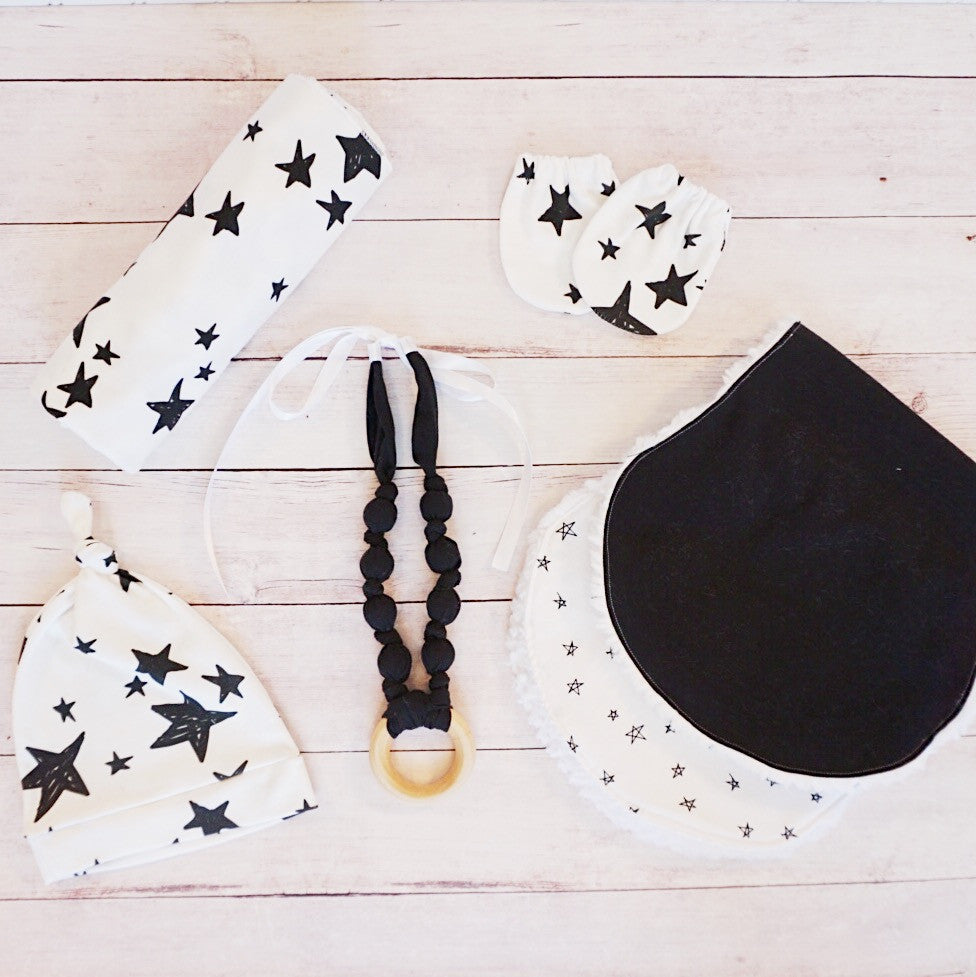 Black and White Stars Newborn Essentials Bundle