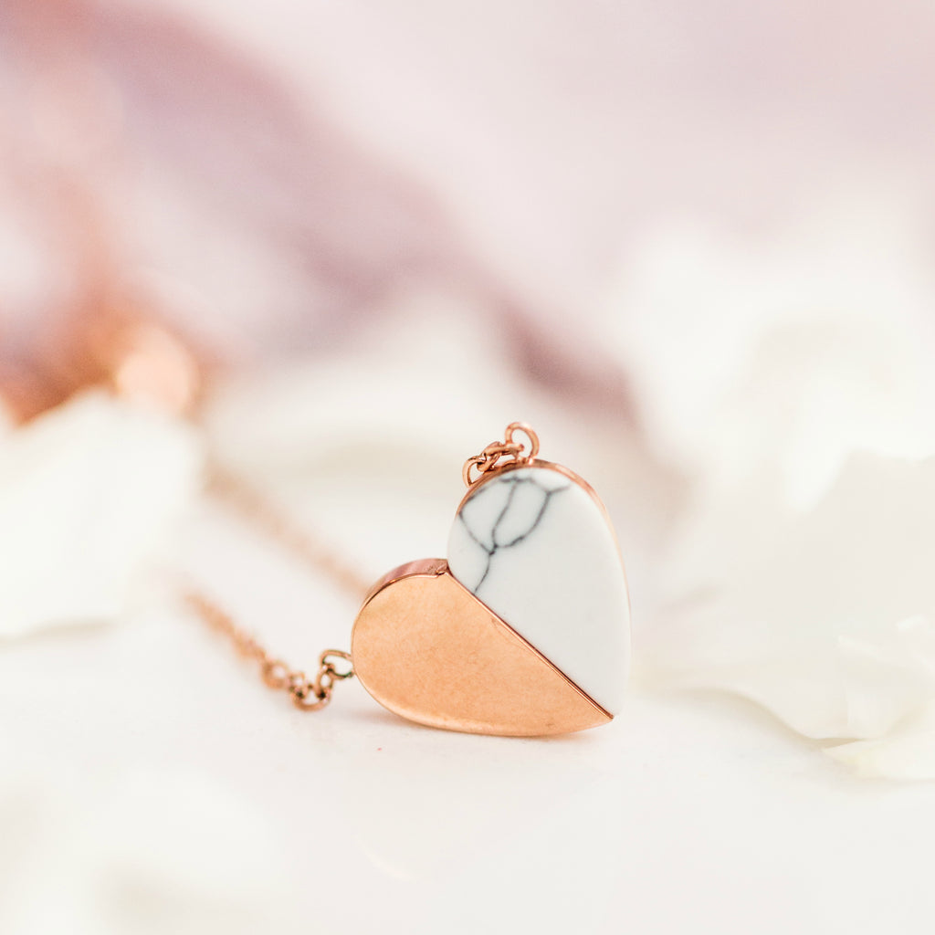 Alexis - Heart Necklace Rose Gold & Howlite