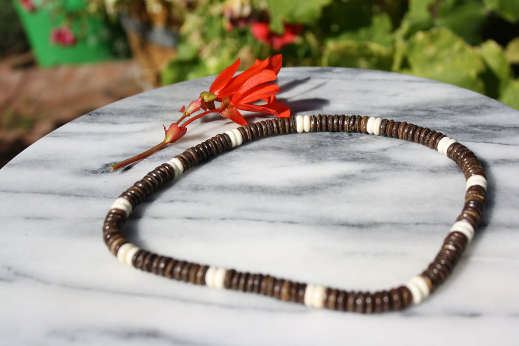Coconut Shell Stripe Bead Necklace