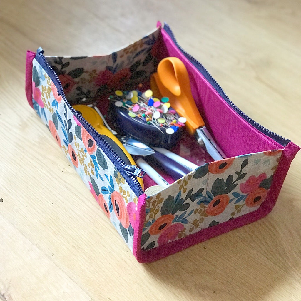 Zip Up Tray Pouch by Aneela Hoey - Craftyangel