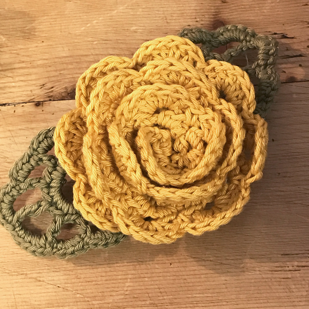 Crocheted Flowers to Wear - Kit 4 - Rosie and Hydrangea flowers - Craftyangel