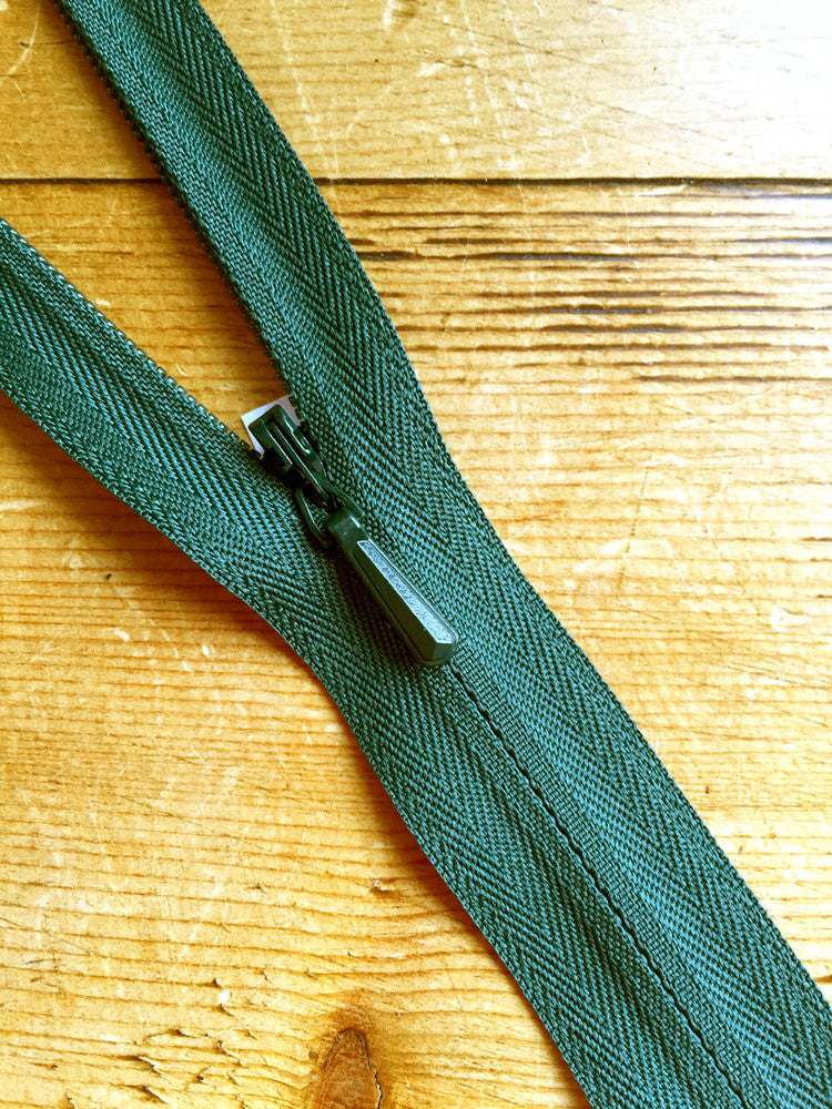 "22""/56cm Concealed Zip - Bottle Green (890) - Craftyangel"