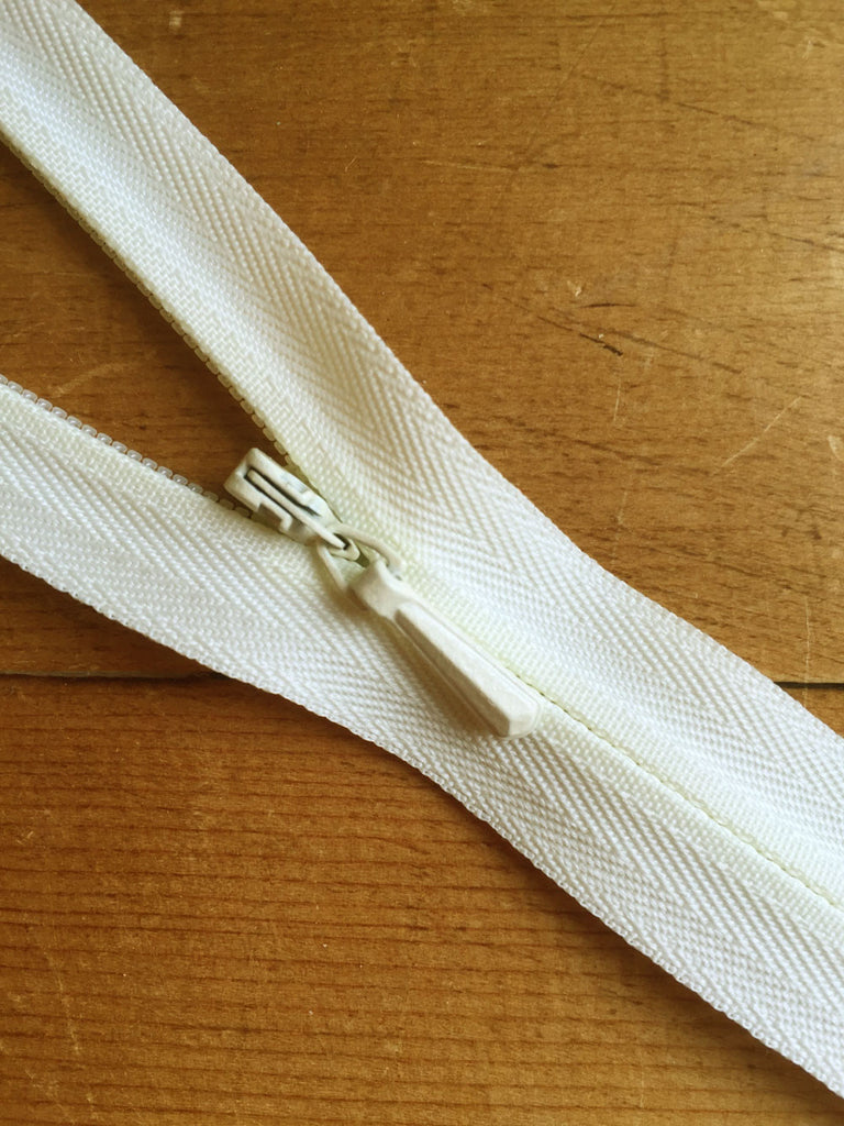 "Concealed Zip - 16""/41cm - Light Cream - Craftyangel"