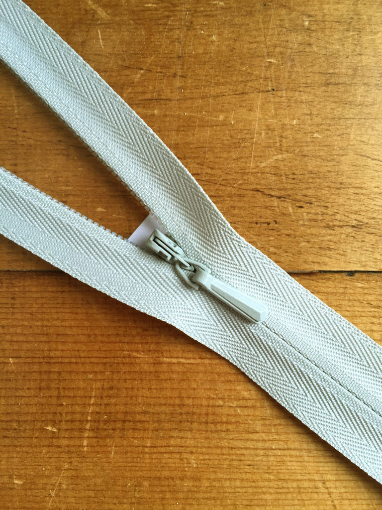 "Concealed Zip - 22""/56cm - Light Grey - Craftyangel"