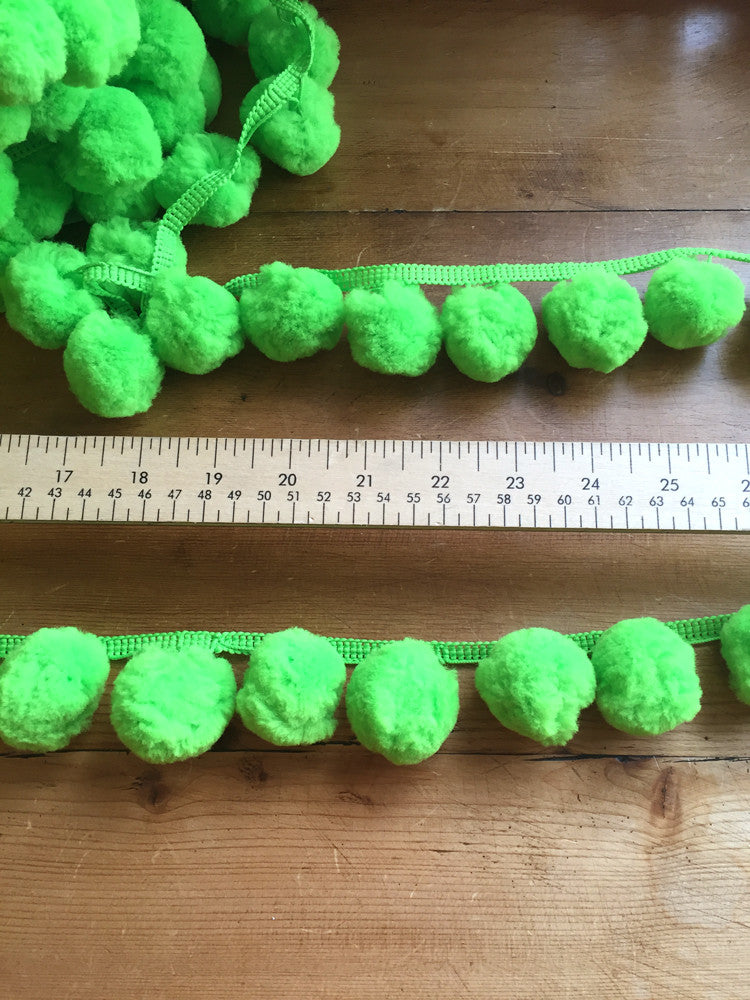 Jumbo Pom Pom Trim - 36mm - Green