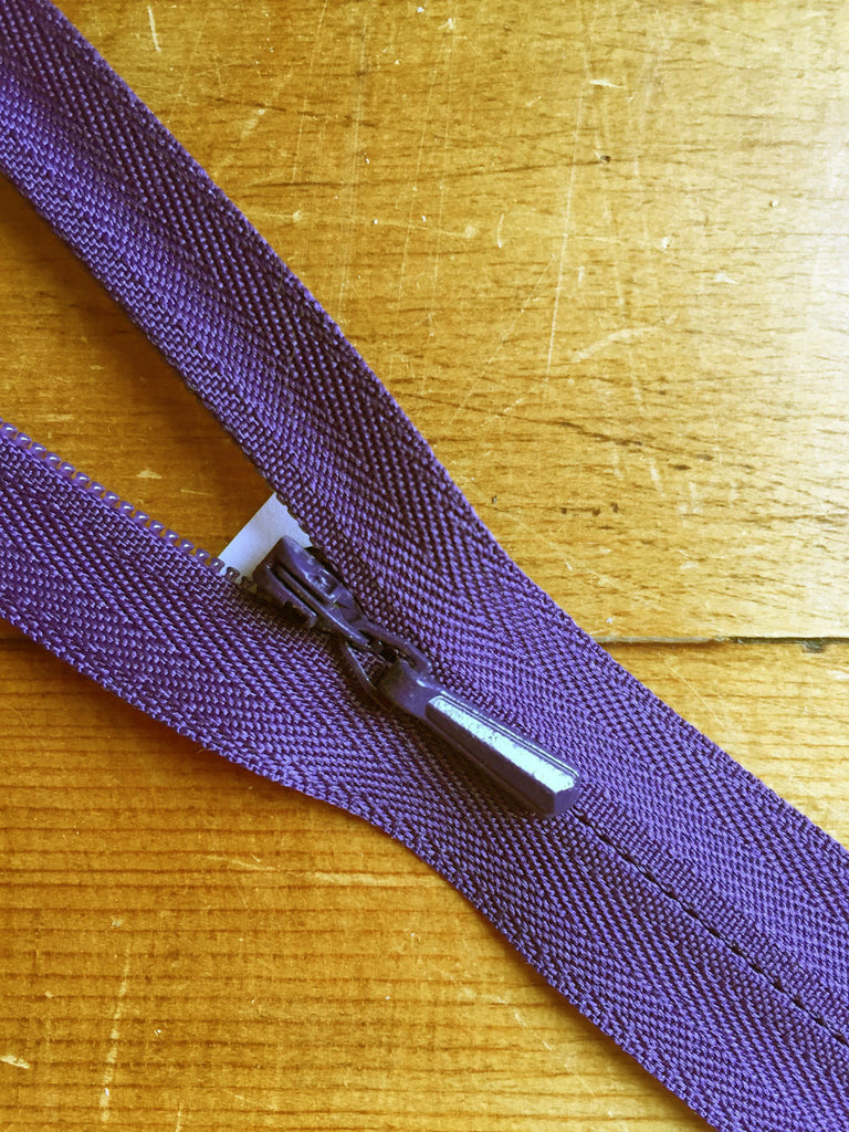 "Concealed Zip - 22""/56cm - Purple - Craftyangel"