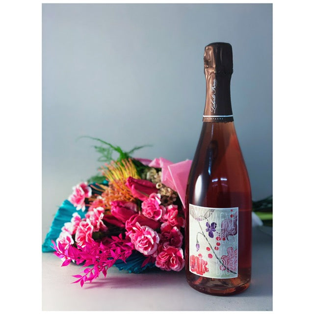 Valentine's Day Bouquet & Bottle of Wine from Domaine LA - Arrangement 2