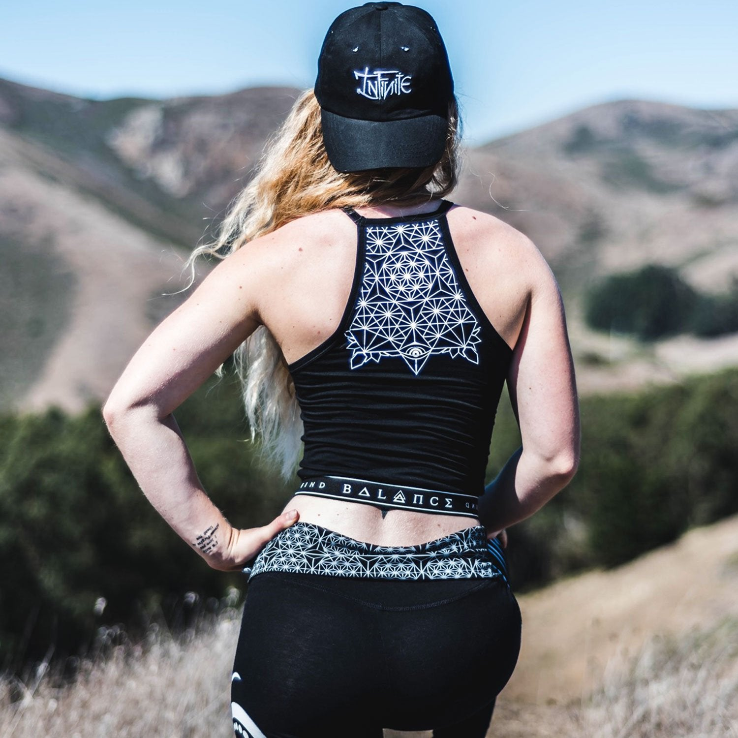FIND BALANCE • Banded Crop Top Apparel