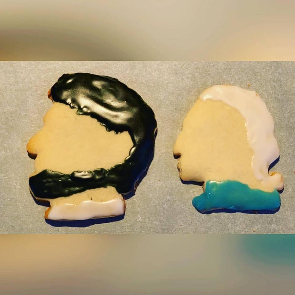 """Presidential Set"" cookies with Abraham Lincoln and George Washington from The History List"