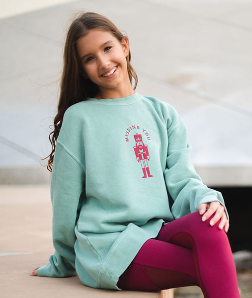Oversized sweatshirt for young ballerinas missing Nutcracker