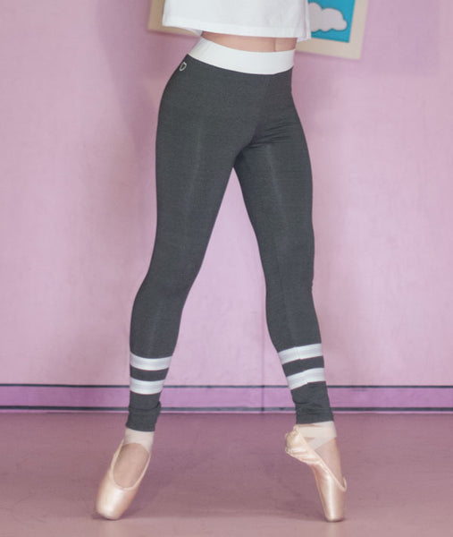 Gray Ringer Leggings look great with pointe shoes!