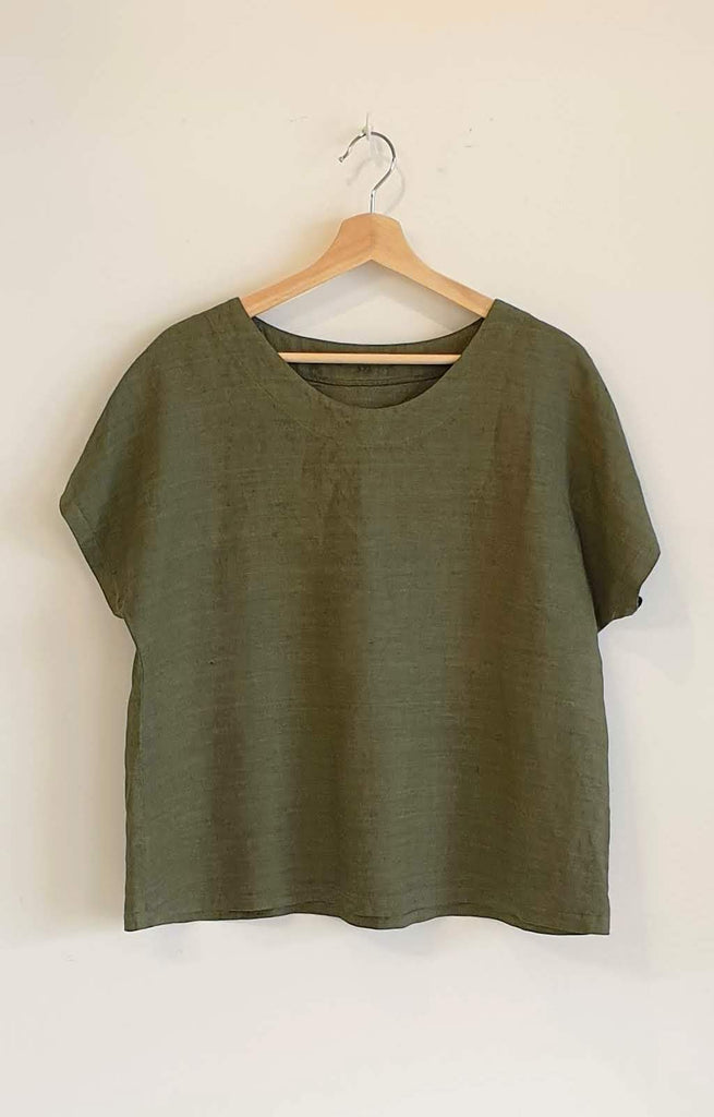 OVERDYED LINEN TOP IN OLIVE