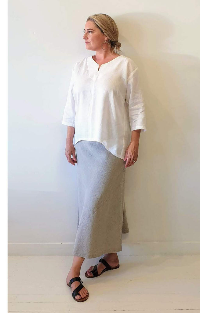 WHITE LINEN SPLIT FRONT TOP WITH 3/4 SLEEVE