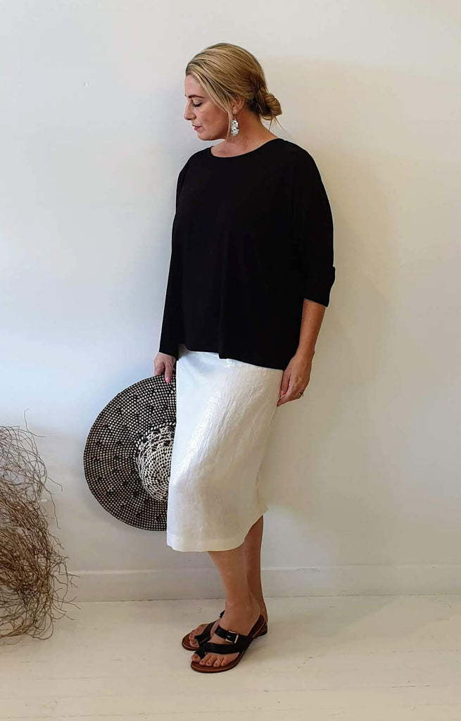 STRAIGHT LINEN SKIRT WITH GOLD FOIL PRINT