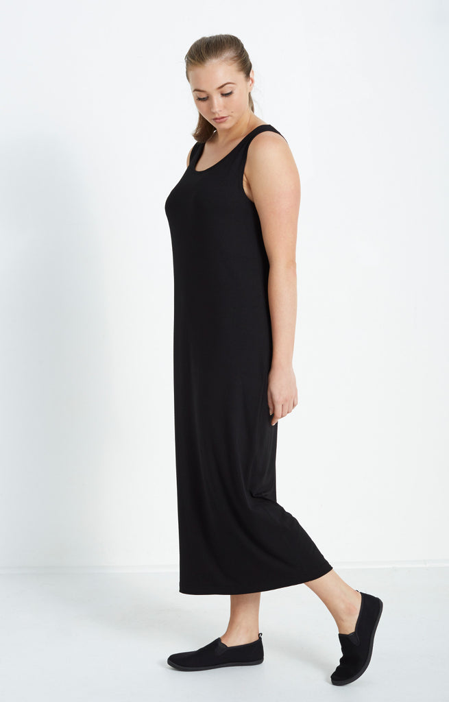 BLACK SINGLET DRESS IN MID WEIGHT JERSEY